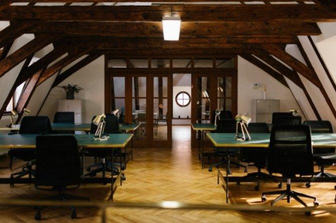 Sněmovní 7